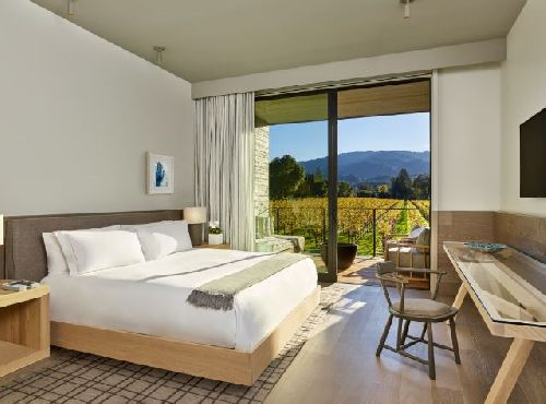 Room with a view... of a Napa Valley vineyard
